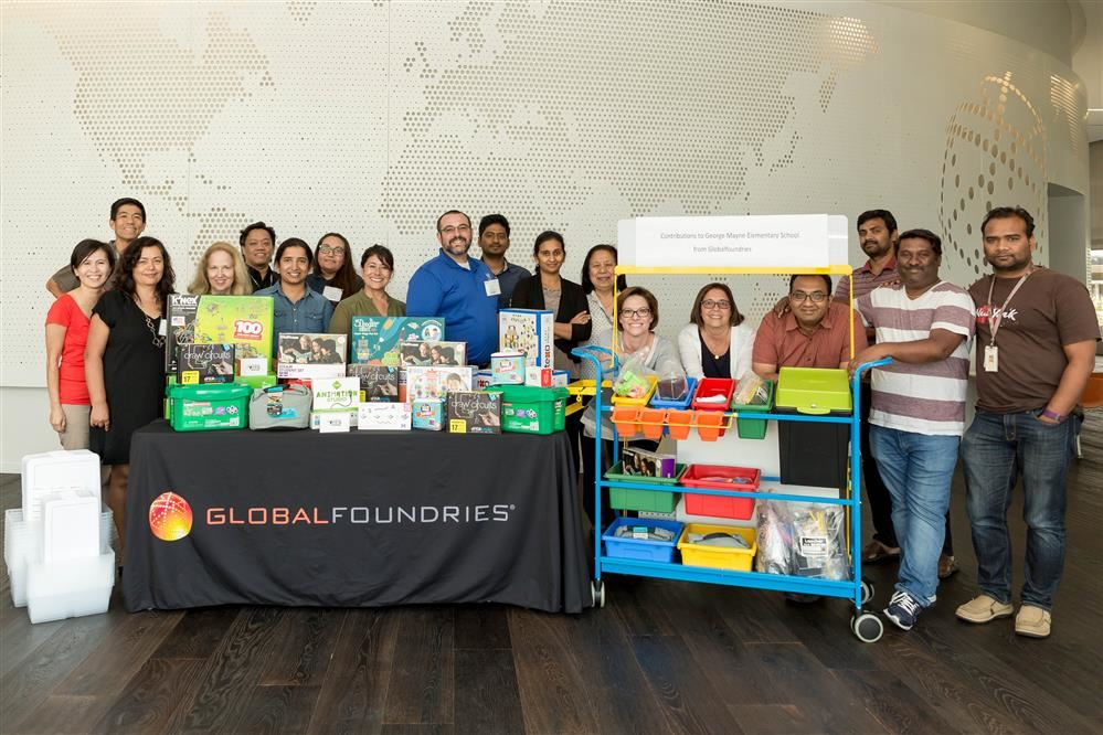GLOBALFOUNDRIES volunteers and SCUSD staff